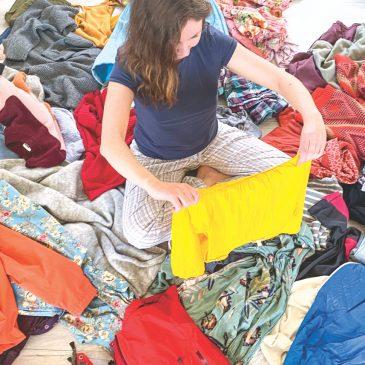 Minimalistischer Kleiderschrank – aufräumen & 6 Tipps, wie du Ordnung in den Schrank bekommst