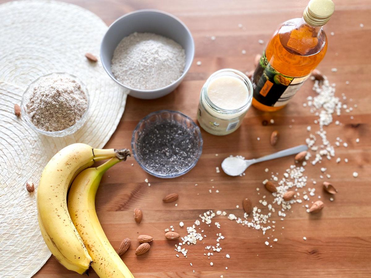 Veganes, saftiges Hafer-Bananenbrot mit Mandeln Rezept