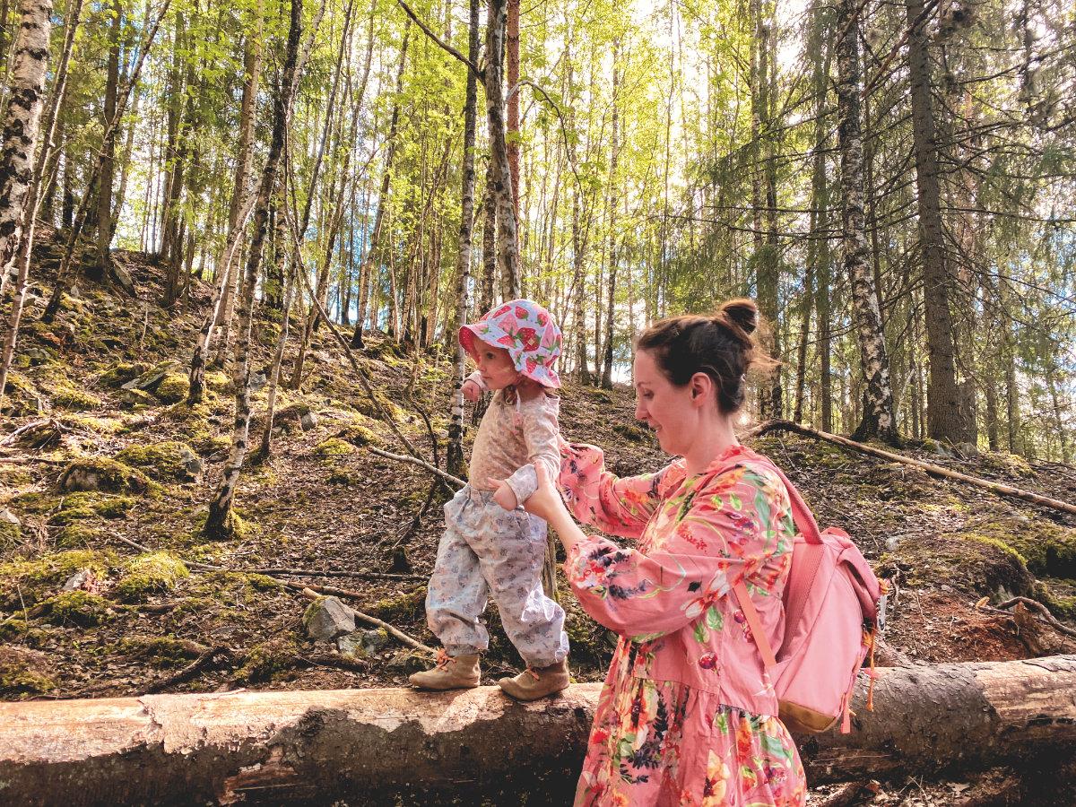 Mit Kindern im Wald - Spielideen und das Eichhörnchen - klarblickend