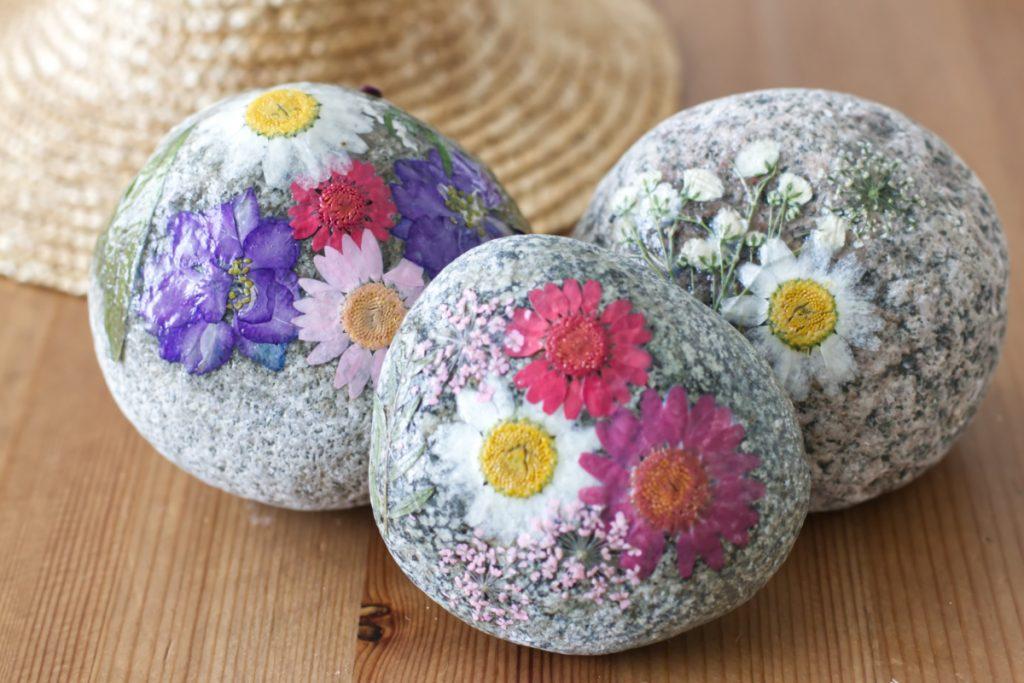 Wunderschöne Blumendeko für Ostern basteln mit Kindern